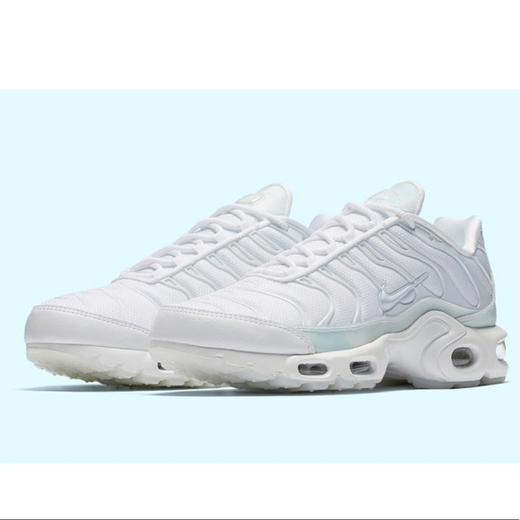 Women's Nike Air Max Plus SE Ice Blue